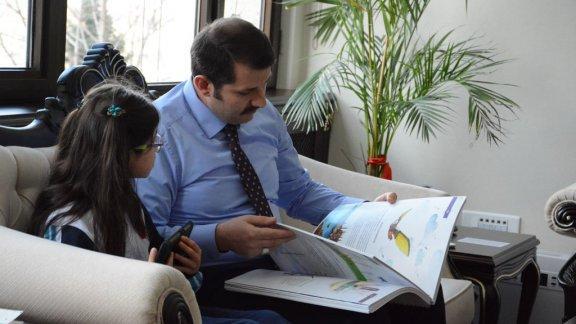 Öğrencimiz Elif MEYDANAL'dan Sayın Genel Müdürümüz Salih AYHAN'a teşekkür ziyareti.
