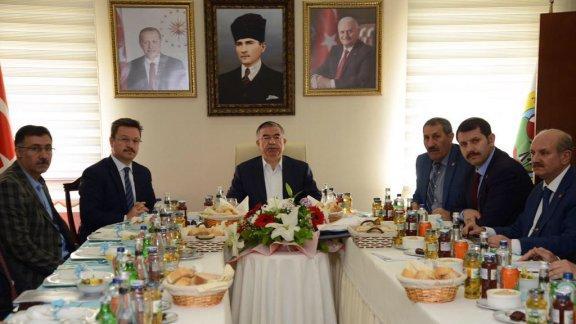 Sayın Bakanımızın Iğdır iline yaptığı çalışma ziyaretine Genel Müdürümüz Sayın Salih AYHAN da eşlik etti.