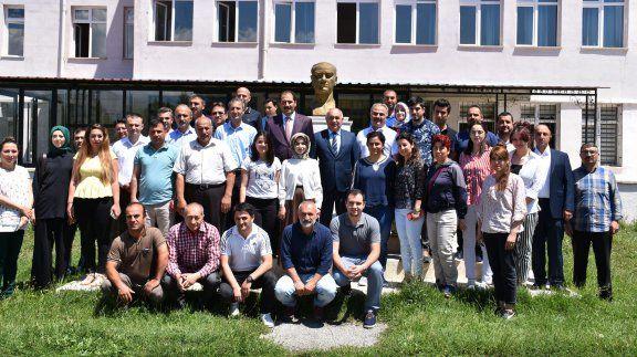Müsteşar Yardımcımız Sayın Ferda YILDIRIM Erzincan ilinde ziyaretlerde bulunarak eğitim öğretim faaliyetlerini yerinde inceledi.